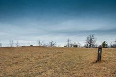 Marcador da fuga ao longo de Ridge Parkway azul Fotos de Stock Royalty Free