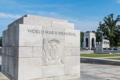 Marcador de pedra com grande selo no memorial da segunda guerra mundial Foto de Stock