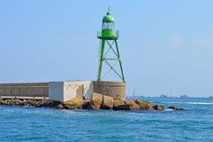 Marcador del estribor del verde del puerto de Alicante Imagen de archivo