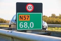 Marcador del kilómetro en los Países Bajos Fotos de archivo
