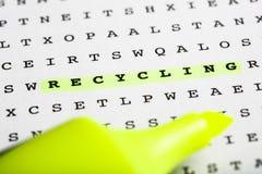 Marcador en rompecabezas de la palabra - hoja informativa del texto Fotografía de archivo