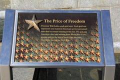 Marcador na parede da liberdade, honrando pessoal de serviço perdido durante WWII, Washington, C.C., 2015 Imagens de Stock