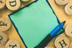 Marcador rasgado espacio en blanco abstracto moderno vacío Pen Alphabet Letter de la página del cuaderno del fondo del espacio de fotos de archivo libres de regalías