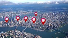 Marcadores aéreos de GPS de las propiedades inmobiliarias de Manhattan metrajes