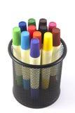 Marcadores coloreados en el fondo blanco Fotografía de archivo libre de regalías