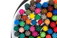 Marcadores coloridos em um fundo branco Foto de Stock Royalty Free