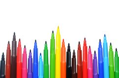 Marcadores do arco-íris isolados no fundo branco Foto de Stock