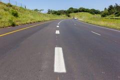 Marcações pintadas estrada da estrada Imagens de Stock Royalty Free