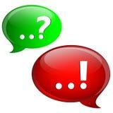Marcas de la pregunta y de la respuesta con las burbujas del discurso Imagen de archivo