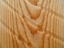 Marcas de madeira ascendentes próximas do corte diagonal da placa da textura Fotografia de Stock Royalty Free
