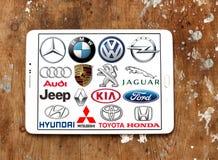 Marcas y logotipos globales del coche Imagenes de archivo