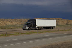 MARCATURE bianche del Semi-camion RIMOSSE Fotografia Stock