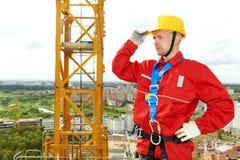 Marceneiro do trabalhador no terreno de construção imagens de stock royalty free