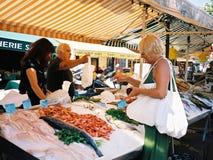 Marcet de los pescados en Niza (Francia) Fotografía de archivo