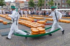 Marché Alkmaar de fromage Photos stock