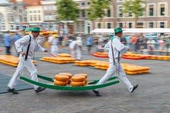 Marché Alkmaar de fromage Photographie stock libre de droits
