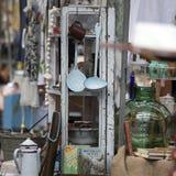 Marché Antic de Spitalfields Vaisselle de cuisine de vintage au marché aux puces, Photo libre de droits