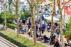 Marché aux puces à Paris Photos libres de droits