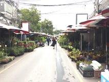 Marché de Chatuchak : le plus grand marché aux puces en Thaïlande Photo libre de droits
