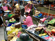 Marché de flottement photos stock