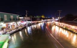 Marché de flottement d'Amphawa Photos stock