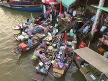 Marché de flottement d'Amphawa Photos libres de droits
