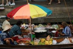 Marché de flottement, Damnoen Saduak, Thaïlande Images libres de droits