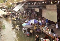 Marché de flottement de Bangkok photos libres de droits