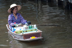 Marché de flottement de Damnoen Saduak en Thaïlande Photo stock