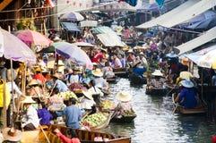 Marché de flottement de Damnoen Saduak, Thaïlande Images libres de droits