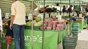 Marché de fruit à Bath Photo libre de droits