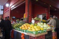 Marché de fruits et légumes Photos stock