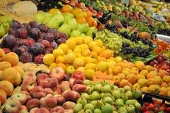 Marché de fruits et légumes Photographie stock
