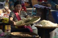 MARCHÉ DE L'ASIE MYANMAR NYAUNGSHWE Images stock