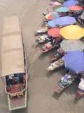 Marché de l'eau - Amphawa, Thaïlande Photos stock