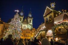 Marché de Noël à la vieille place à Prague Image libre de droits