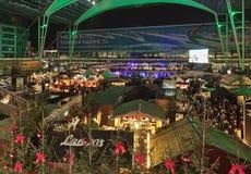 Marché de Noël dans l'aéroport de Munich, Allemagne Photos stock