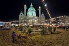 Marché de Noël de Karlsplatz à Vienne, Autriche Photo stock