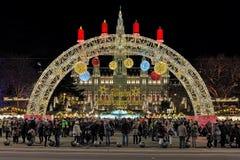 Marché de Noël devant la ville hôtel de Vienne, Autriche Photos libres de droits