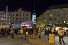 Marché de Noël sur la place de liberté à Brno, République Tchèque Images stock