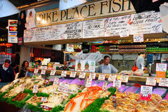 Marché de poissons de place de Pike Photographie stock