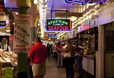 Marché de poissons de Seattle Photos libres de droits