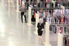 Marché de vêtements photo libre de droits