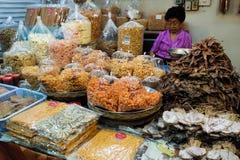 Marché de week-end de Jatujak à Bangkok Images stock