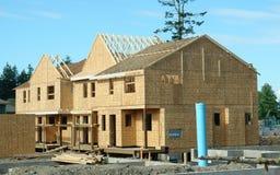 Marché du logement à la maison neuf de construction photographie stock