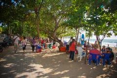 Marché en plein air à la plage de Kuta Photo stock