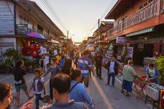 Marché en plein air de marche Chiang Khan Loei Thailand Image stock