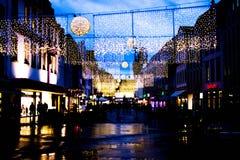 Marché et lumières de Noël dans le Trier, Allemagne photo stock