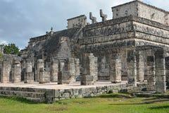 Marché et mille sites archéologiques maya de colonnes Photographie stock libre de droits