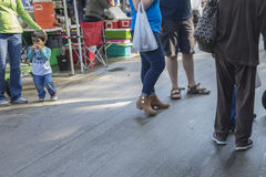 Marché local d'agriculteurs - éditorial photos stock